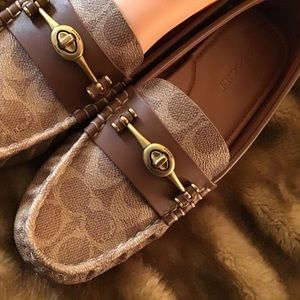 Coach Driver Turnlock Signature Coated Loafers💕💕